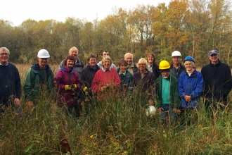 Volunteers at Alvecote Pools © Alexis Evans (WWT)